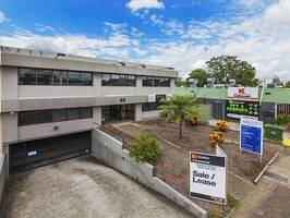 OFFICE COMPLEX - FULLY TENANTED INVESTMENT